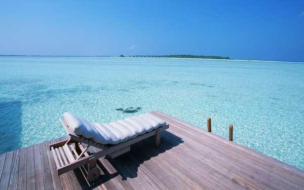 Name:  Maldives_Seaside_beach_chairJY182_350A.jpg Views: 1096 Size:  22.6 KB