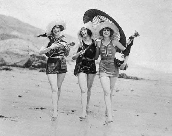 Name:  The Beach Girls.jpg Views: 230 Size:  27.9 KB