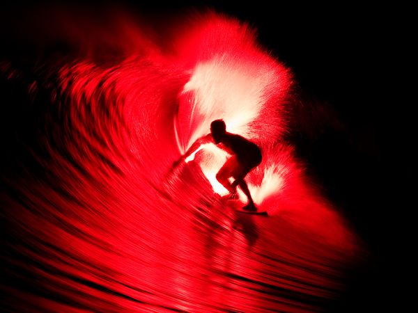 Name:  bruce-irons-flaming-surfboard_39990_600x450[1].jpg Views: 262 Size:  34.7 KB