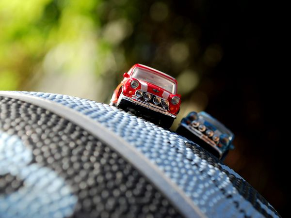 Name:  miniature-model-cars-macro_26205_600x450[1].jpg