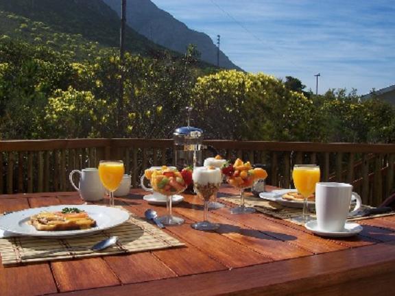 Name:  patio breakfast.jpg Views: 336 Size:  45.3 KB