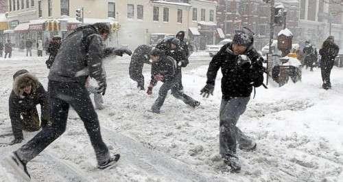 Name:  Snowball fight.jpg Views: 349 Size:  24.9 KB