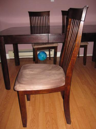 Leon 39 s dining room chairs 30 each for Leon s dining room tables