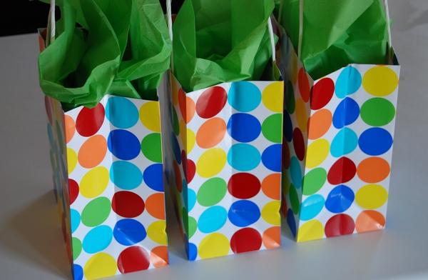Name:  summer-gift-bags.jpg Views: 971 Size:  138.1 KB