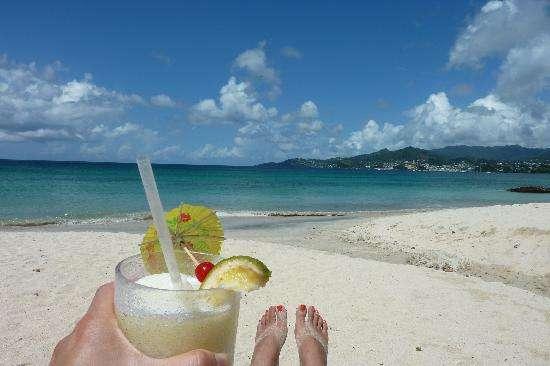 Name:  pina-colada-on-the-beach.jpg Views: 849 Size:  22.6 KB