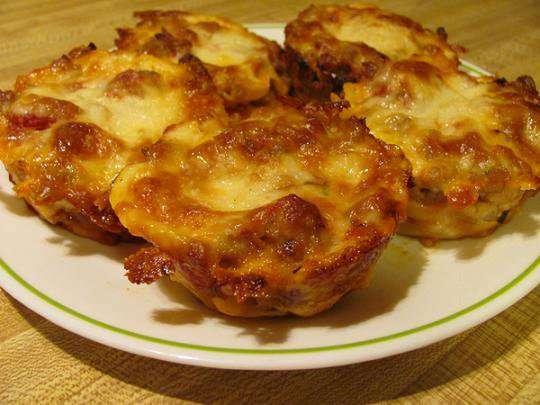 Name:  Lasagna Cupcakes.jpg Views: 162 Size:  36.1 KB