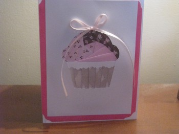 Name:  Small iris folding cupcake.jpg