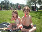 members/princesskimmi-albums-kimmi-s-album-picture107938-kids-eating-ice-cream.jpg